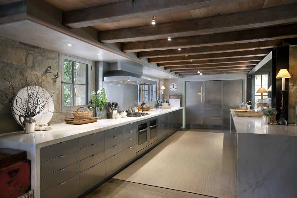 Ellen Degeneres and her kitchen…WOW!