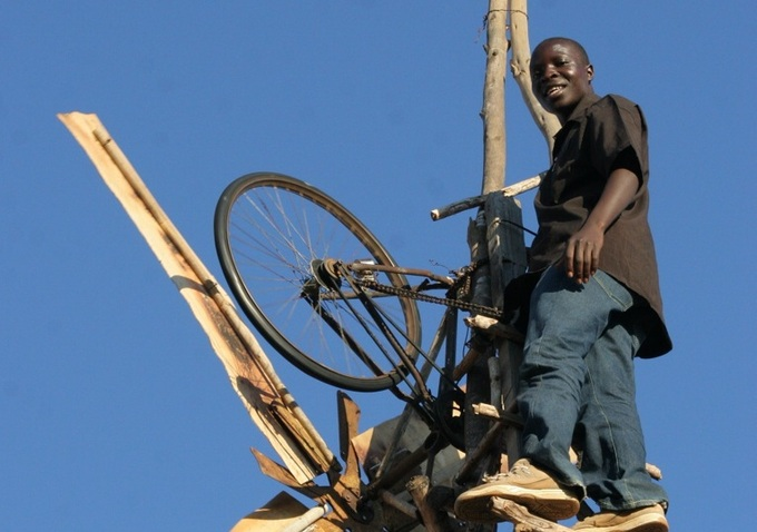 Malawi Boy Builds Wind Turbine